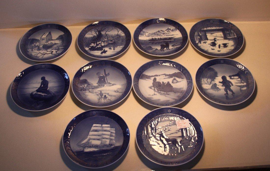 18: Royal Copenhagen Christmas Collector plates 1960-69