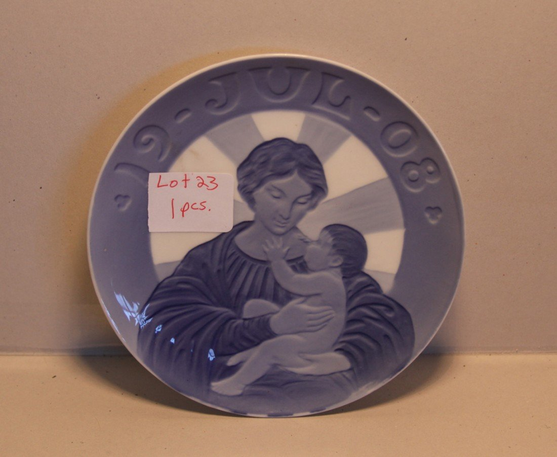 23: Royal Copenhagen Mother and Child Plate Jul 1908