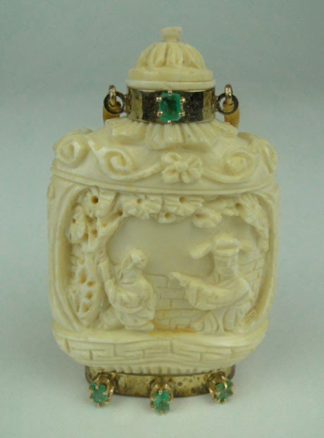 11: VINTAGE CHINESE IVORY, EMERALD & GOLD SNUFF BOTTLE