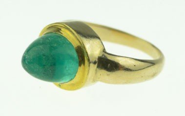 79: CHRISTOPHER WALLING 14KT  GOLD & EMERALD RING