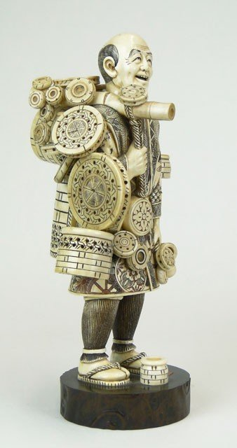 7: 20C ORIENTAL CARVED IVORY FIGURE BASKET SELLER