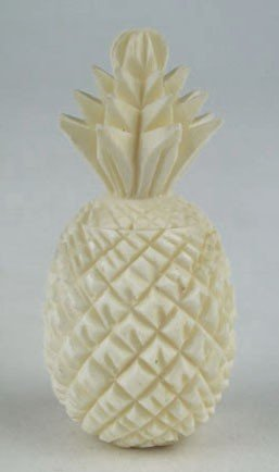 24: MINIATURE CARVED CHINESE IVORY SNUFF BOTTLE