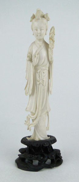 19: LARGE ANTIQUE CHINESE IVORY QUAN YIN