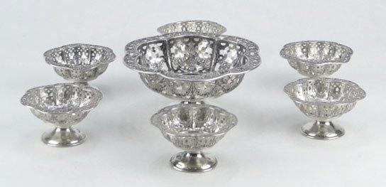 11: SEVEN (7) STERLING SILVER NUT DISH SET