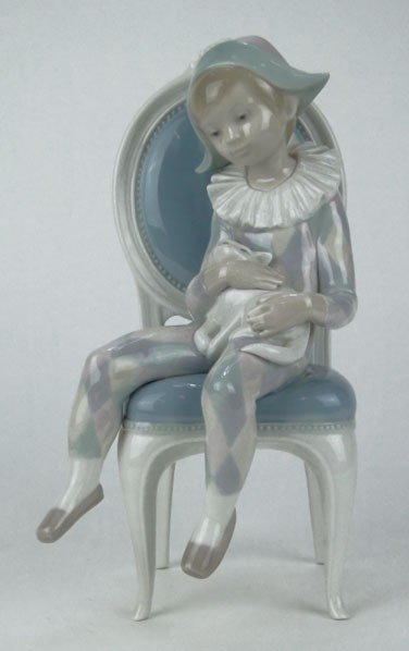 136: LLADRO PORCELAIN FIGURINE YOUNG HARLEQUIN WITH CAT
