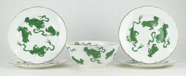 120: WEDGWOOD CHINESE TIGERS BOWL & DINNER PLATES