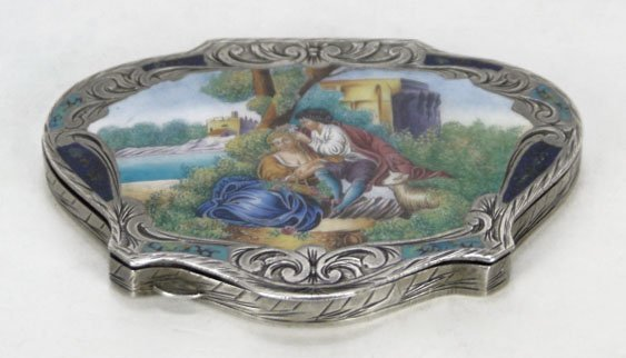 2: ANTIQUE ENAMELED FRENCH LADIES COMPACT