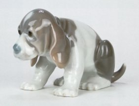 LLADRO PORCELAIN FIGURINE BEAGLE PUPPY SITTING