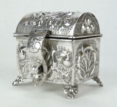 134: ANTIQUE STERLING SILVER HAND MADE TREASURE CHEST