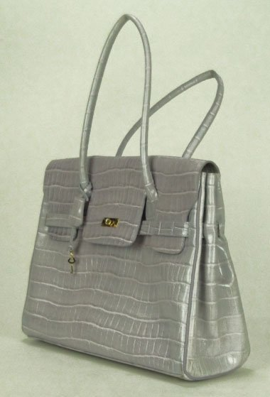 16: PHYNES' OF PARIS LAVENDER SNAKE SKIN BAG PURSE