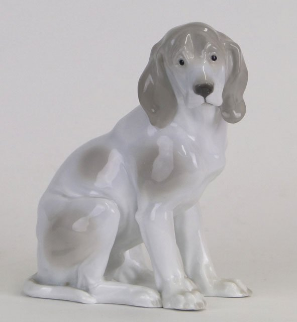 5: 20C GERMAN PORCELAIN BEAGLE DOG