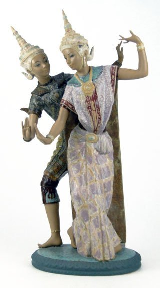 69: LLADRO THAI DANCERS PORCELAIN FIGURINE #2058