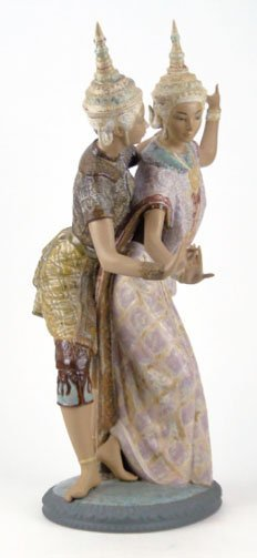 69: LLADRO THAI DANCERS PORCELAIN FIGURINE #2058 - 2