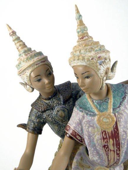 69: LLADRO THAI DANCERS PORCELAIN FIGURINE #2058 - 4
