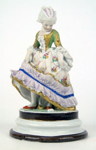 8: 19C FRENCH BISQUE STATUE MARIE ANTOINETTE