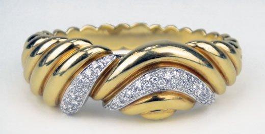 11: HEAVY 18KT YELLOW GOLD & DIAMOND BANGLE BRACELET