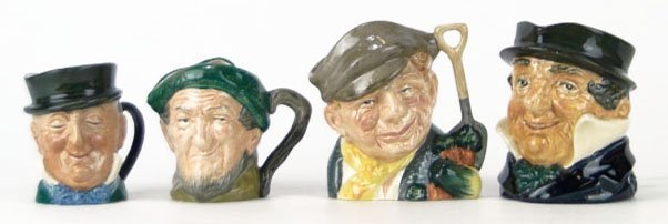 15: FOUR SMALL VINTAGE ROYAL DOULTON TOBY MUGS