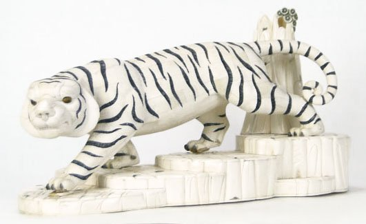 404: REALISTIC LARGE BONE CARVING OF A SIBERIAN TIGER