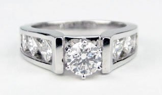 412: 14KT WHITE GOLD DIAMOND ENGAGEMENT RING WITH ONE R