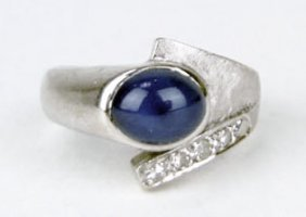 415A: LINDY STAR SAPPHIRE DIAMOND AND WHITE GOLD RING