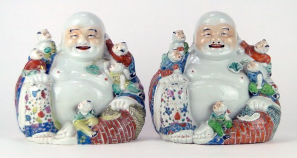 PR ANTIQUE CHINESE PORCELAIN SITTING BUDDHA'S W CHILDRE