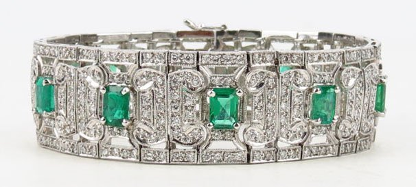 EXTRAORDINARY VINTAGE PLATINUM DIAMOND AND EMERALD LADI