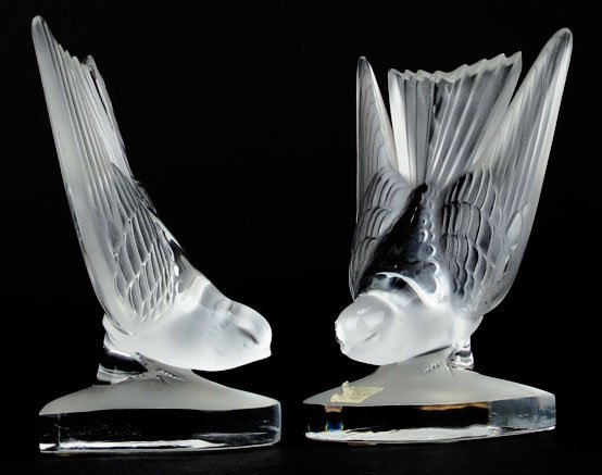 LALIQUE PAIR OF FROSTED SWALLOW BOOKENDS