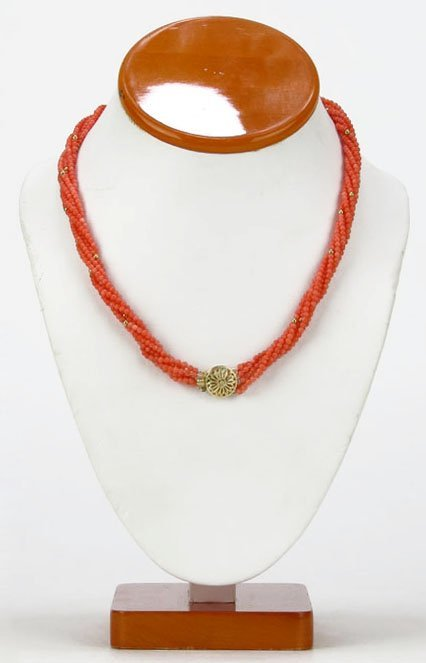 VINTAGE CORAL AND GOLD CHOKER