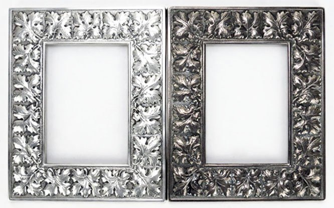 PAIR OF BUCCELLATI STERLING SILVER PICTURE FRAMES IN A
