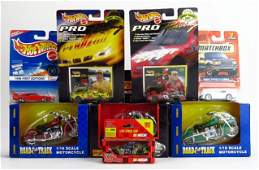 SET OF 8 COLLECTIBLE CARS
