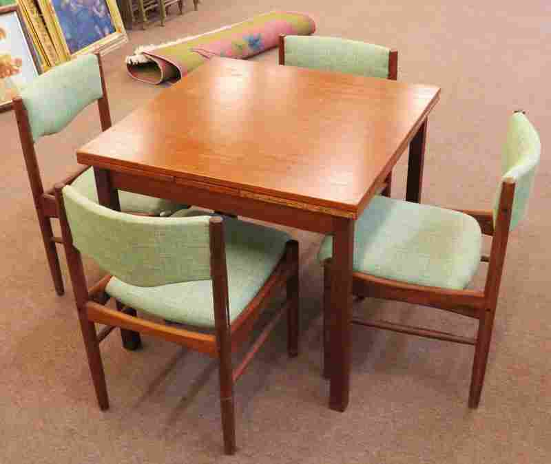 Mid Century Modern Expandable Danish Wooden Table with
