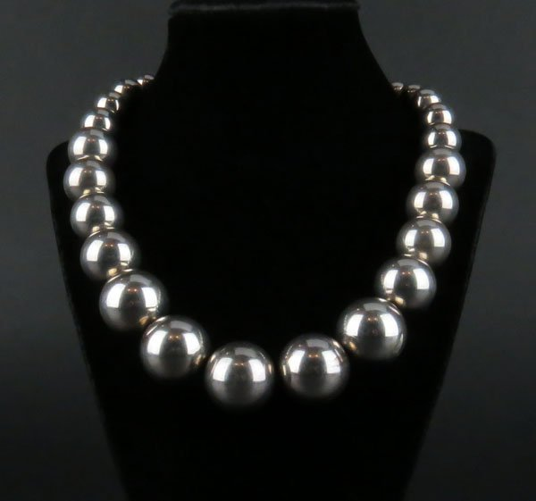 Vintage Sterling Silver Navajo Beaded Necklace.