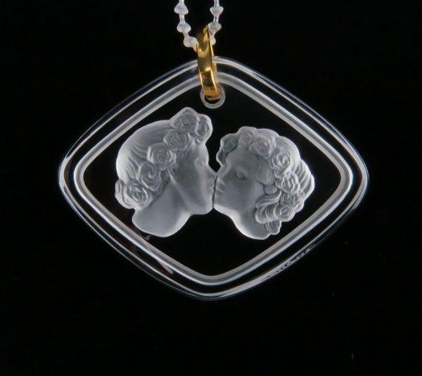 """Lalique France Crystal """"La Baiser"""" Pendant in Original"""