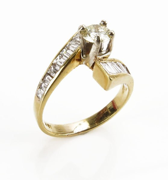 Vintage 14 Karat Yellow Gold and Diamond Center Stone R