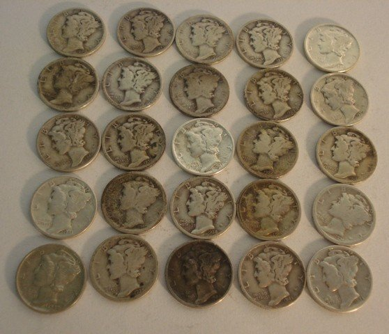 104: 25 Mercury Silver Dimes.