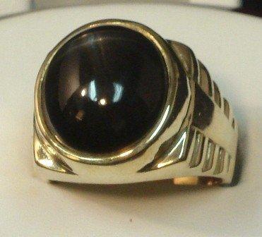 121: 14K Mens Lg. Black Star Saphire Ring