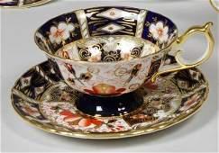 54: 8 Royal Crown Derby Imari Cups & Saucers