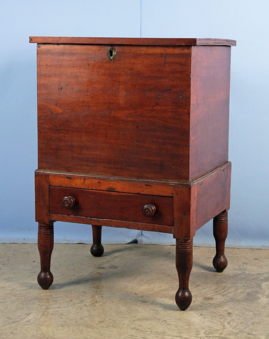 Tennessee Cherry Sugar Cherry Chest with Drawer