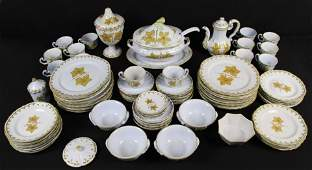 80 Dinnerware Set Made In Italy w/ Leaf Decoration