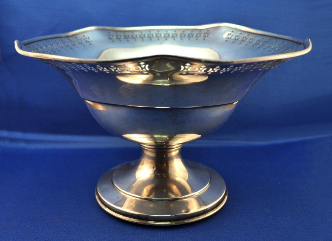 9: Sterling Silver Center Bowl on Stand