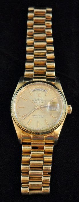 69: Rolex Men's Oyster Perpetual Day Date Watch 18K Gol