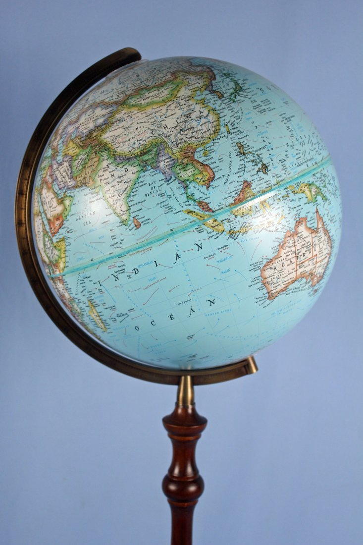 National Geographic Light-Up Globe On Stand - 2
