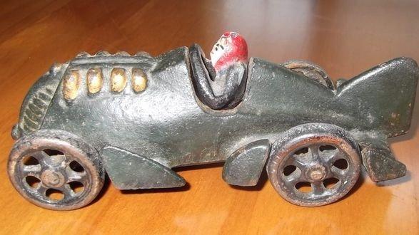 1A: Hubley Cast Iron Car