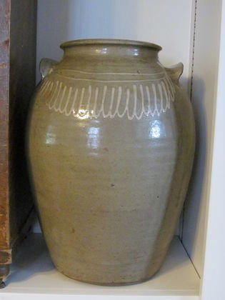 17: Chandler 4 gal loop decorated jar