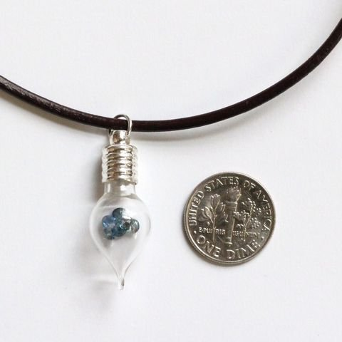 423200103: Teardrop Glass Necklace with 1ct Natural Sap