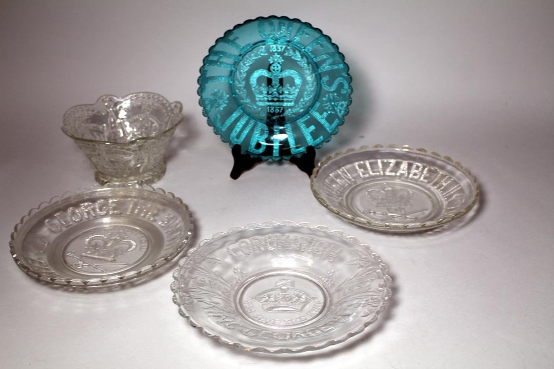 Five Pieces Of Coronation Glass