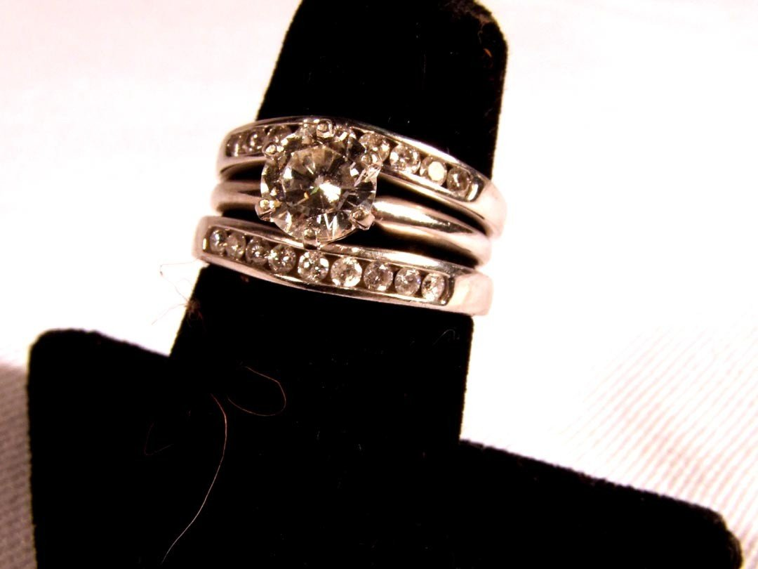 126: Diamond Wedding Set