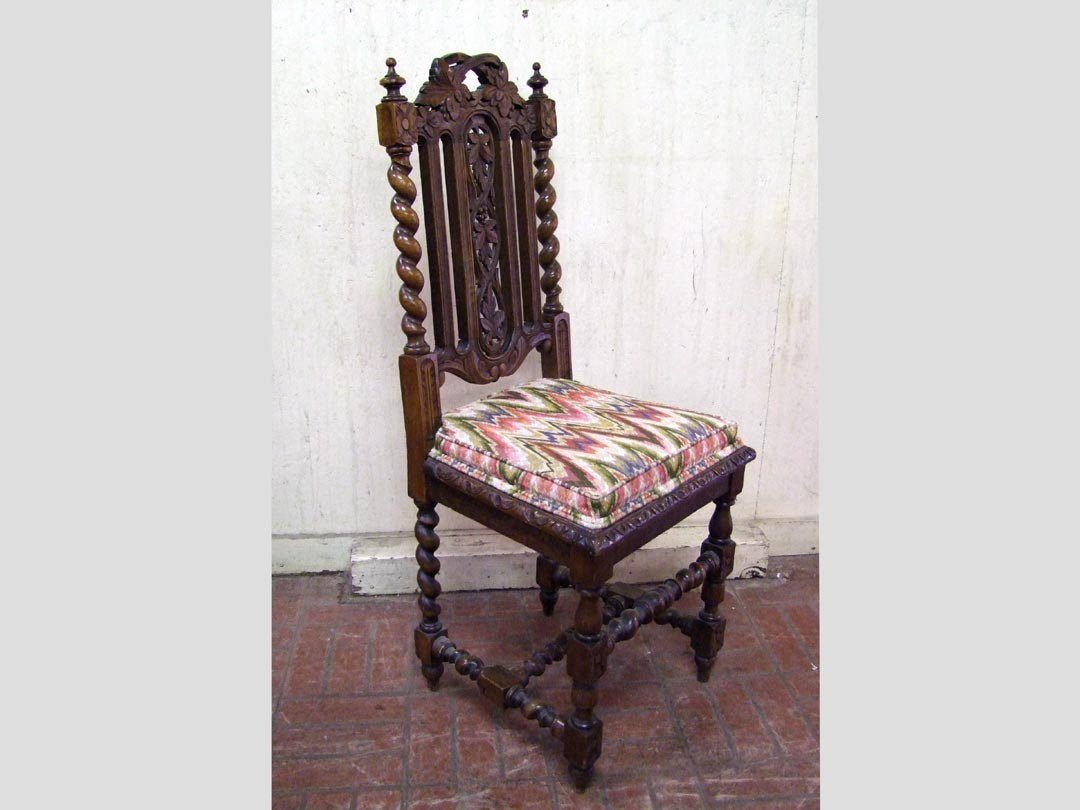 242: Set Of Five Carved Oak Side Chairs - 2