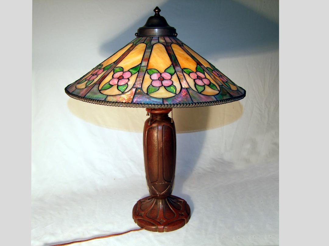 62: Arts & Crafts Table Lamp With Leaded Shade