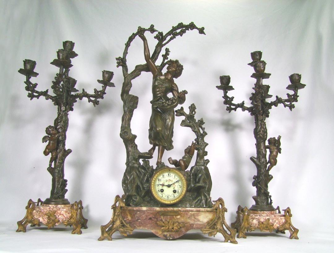 19th Century Clock Set CUEILLETTE de POMMES